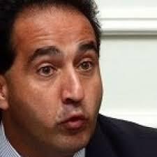 El alcalde de Santiago, Pablo Zalaquett, consideró la posibilidad de sacar a ... - pablo-zalaquett_230x23011_230x230