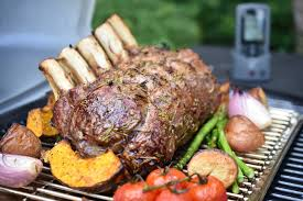Your Weber Q has been designed to cook magnificent steaks. To get the best  results with steak, cook on the grill bars rather than on a hotplate.