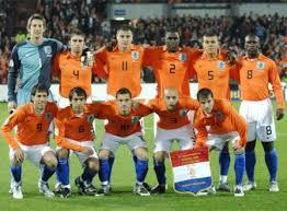 منتخب هولندا يتعادل مع المانيا 0-0 Images?q=tbn:ANd9GcTnYaVogpSvW-Xze00JoQuoECHv4OOM-_A81pYv4njIuVauvocuKA