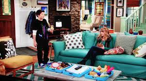 goodluckcharlie livingroom2 ON THE SET: GOOD LUCK CHARLIE