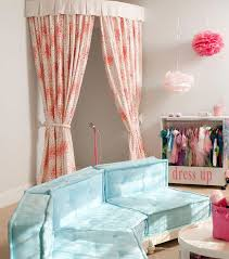 diy stage via houseofturquoise diy stage for kids girls bedroom decor ideas for tutorial