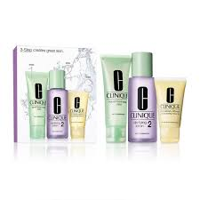 <b>Clinique 3</b>-<b>Step</b> Introduction Kit for Dry Combination Skin - Feelunique
