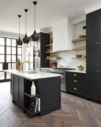 black kitchen cabinets what color on wall
