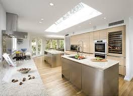 Maskulinen Küche Ideen mit Weißen Granit Arbeitsplatte Und Schöne