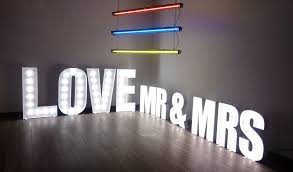 Mr And Mrs Light Up Sign Hire Love Mr Mrs Light Up Letters Are Ideal For Weddings To