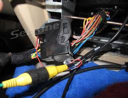install a 2005 2012 bmw 3 series e90 e91 e92 e93 radio connect the power plugs of dvd player and the cd player