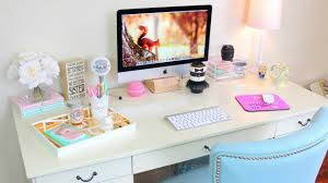 how to decorate office table. Cool Computer Accessories 2016 Things To Be Kept On Office Desk Decorate Gadgets For Your How Table