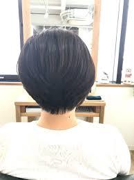 前下がりショートレイヤースタイル 神戸三宮の美容室 Kiki Kobe