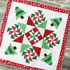 Set the Mood for the Holidays with a Beautiful Quilt - Quilting Digest & Christmas Mystery Quilt Pattern Adamdwight.com