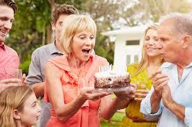 پیشنهادی متفاوت برای شاد کردن پدربزرگ و مادربزرگها - مثبت زندگی