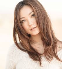 徳澤直子 ロングヘア セミロング芸能人 髪型ヘアスタイルカタログ