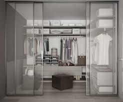 Walk In Closet Walk In Closet Och Dressingroom Detta Skiljer Dem Ayent Skapna Hem