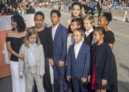 Meet madonna's children, lourdes, rocco, david banda, mercy james, stella and esther. Madonna Just Posted A Rare Photo Of Her Big Happy Family Best Life