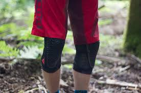 Dainese Trail Skins Knee Guard Size Chart Dainese Trail Skins 2 Knee Pads Off Road Cc