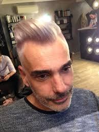 Coupe Homme Vintage Branche Blond Platine Irise Salon De