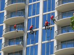 bosun chair window washing. proudly the best high rise window cleaning in honolulu hi | learn why. bosun chair washing