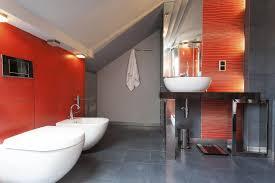 Red and grey bathroom. colour-bathroom