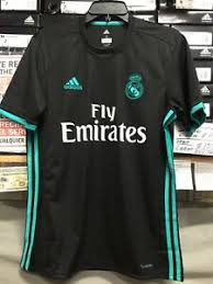 The home shirt features more white than last season with three blue stripes along the shoulders, which are supposed to represent the sky of the spanish capital. Adidas Real Madrid Away Jersey 2017 18 Black And Blue Size Small Only 191022442715 Ebay
