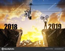 Meilleurs voeux pour cette nouvelle année Images?q=tbn:ANd9GcTnpJeztcmgZ0roq0LcvK0_BJ85x3daE3U_dtMJkAzi3qkIXlO2DQ