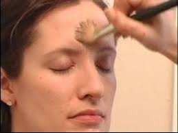 how to apply photo shoot makeup applying foundation for photo shoot makeup you