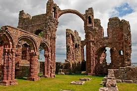Resultado de imagen para imagenes de monasterios medievales