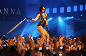 2007 Pop Charts Rihannas Umbrella Reigned On The Hot 100 This Week In