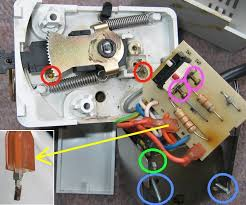 acl drayton and invensys motorised valve actuators Mid Position Valve Wiring Diagram acl early motoroff insets jpg (147276 bytes) mid position valve wiring diagram honeywell