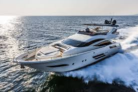 Wonderful Cruising Motor Yacht / Flybridge / Displacement Hull / 4 Cabin   800
