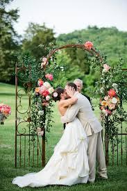 20 chic brooch wedding bouquets with diy tutorial