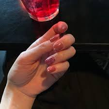 横田ひかる 新しいネイル 春らしくピンク色でお願いしました