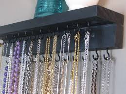 DIY necklace holder... I'm determined to make SOMETHING today !