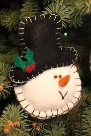 Felt Snowman Christmas Ornament - Easy (adapt as alpaca head)