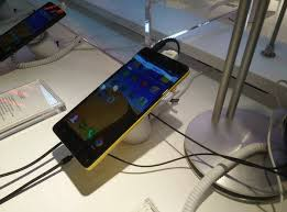 Offline retailers refuse to sell Lenovo smartphones | Gadgets Now
