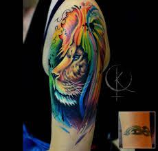 лев в стиле акварель перекрытие старой тату на плече сделать тату