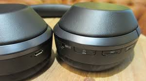 sony mdr 1000xm2. the physical buttons are here, too, with raised edges so you can press them without looking. far normal, but here\u0027s what separates sony mdr-1000x mdr 1000xm2 l