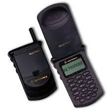 motorola old phones. image: retromobe motorola old phones o