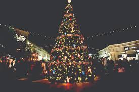 File:December on the Red Louisiana Boardwalk Giant Christmas Tree 2.jpg