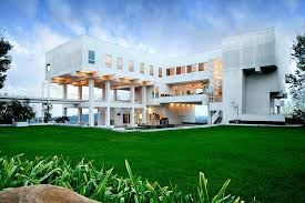 Big modern houses pictures   House interior furthermore 20 Large Beautiful Homes Challenging Homeowners Wallets further Big Modern House Open Floor Plan Design   YouTube as well Best 25  Modern beach houses ideas on Pinterest   Modern home as well  additionally ment if this insane modern mansion is perfect for you in addition Beautiful Houses in Florida with modern style   Beautiful   Exotic besides  together with Best 25  Modern roof design ideas on Pinterest   Big modern houses together with  as well Modern Guest House Plans   Big houses  Houses and Beautiful. on modern big cheap houses