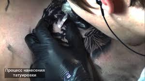 процесс нанесения тату в стиле реализм 3д тигр на ноге