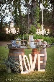 Cute summer idea for garden ceremony / http://www.himisspuff.com