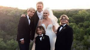 Gwen Stefani Shares NEW Wedding Photo ...
