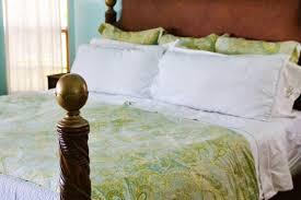 Why I Make My Bed   10 Good Reasons I Keep My House Clean