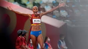 La venezolana yulimar rojas, la gran favorita al oro del salto triple femenino de los juegos olímpicos de tokio 2020, avanzó este viernes con autoridad a la final de la especialidad, en la que volverá a encontrarse con la colombiana caterine ibargüen. Tjtixmh 9pqt1m