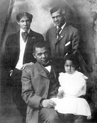 booker t washington and his children ernest davidson washington standing left booker t washington jr and niece laura murray washington