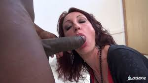 La Cochonne Slutty French babe loves double penetration on.