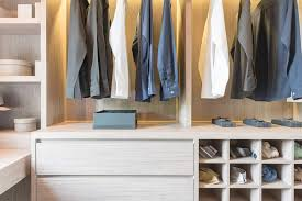 do you also want to start a minimalist wardrobe awesome read on for my tips