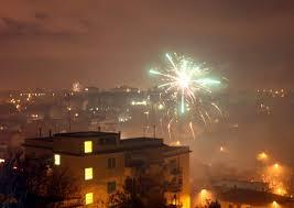 Capodanno 2021, solo otto i feriti a Napoli per i botti: mai così pochi  negli ultimi anni