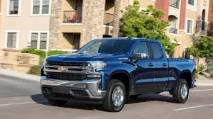 Chevy says not to look at the 2019 Silverado's fuel economy rating ...
