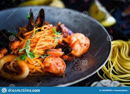 Tasty Fresh Italian Seafood Pasta & ...