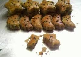 150 gram tepung terigu 3/4 sendok teh garam 300 ml air. Resep Kue Kering Kacang Hijau Renyah Oleh Sri Cholida Cookpad
